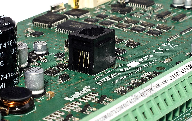 Płyta główna centrali alarmowej INTEGRA 64 Plus