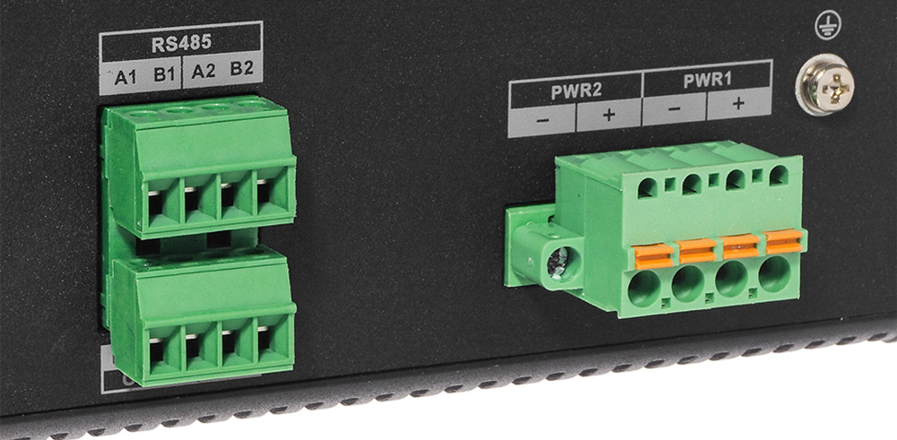 Wyjścia zasilania switcha PoE.
