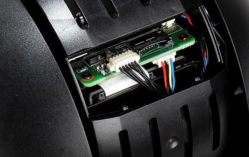 DH-SD60230U-HNI - Slot karty pamięci w kamerze IP Dahua.