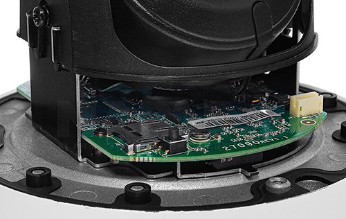 Hikvision - Slot na kartę microSD.