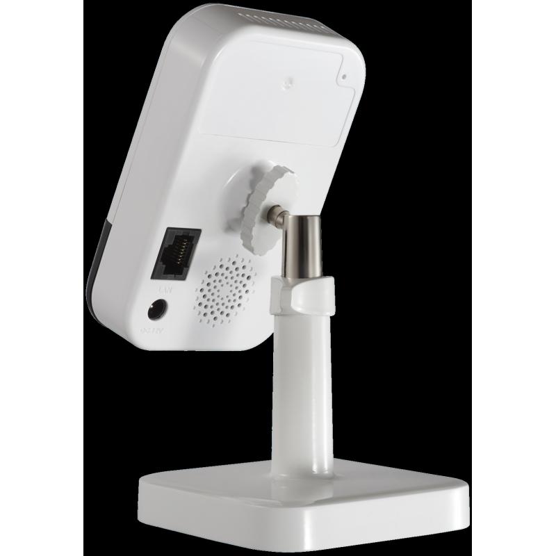 Kamera Hikvision z czujką, mikrofonem i głośnikiem.