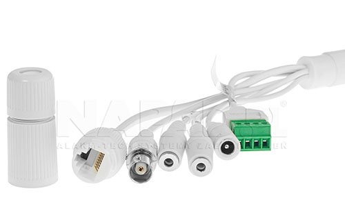 Przewody połączeniowe w kamerze megapikselowej.