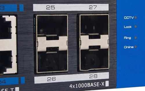 UTP7524GE-POE-K - Sloty do obsługi modułów SFP.