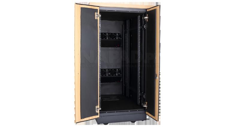 S7118SP - Otwierane na zewnątrz drzwi z izolacją akustyczną.