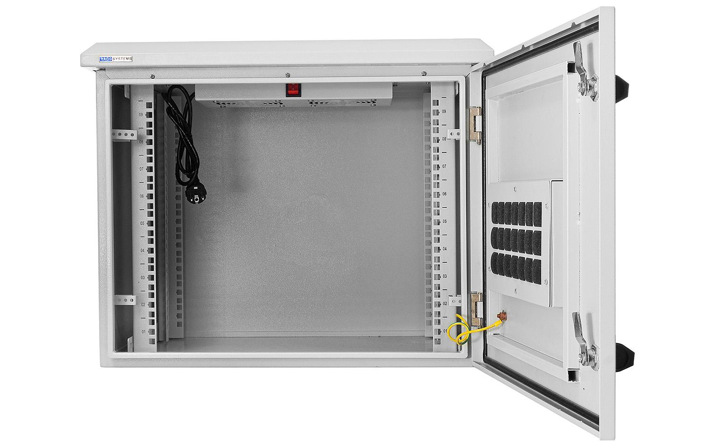 WZ6409 - Otwierane na zewnątrz drzwi wykonane z blachy stalowej.