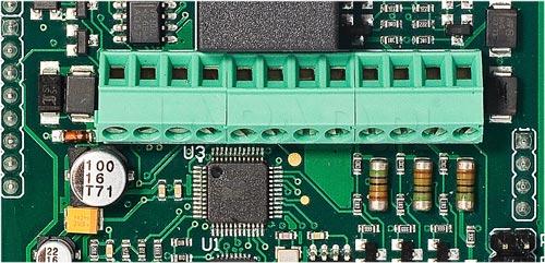 MCT82M-IOBK - Wbudowane linie wejścia / wyjścia.