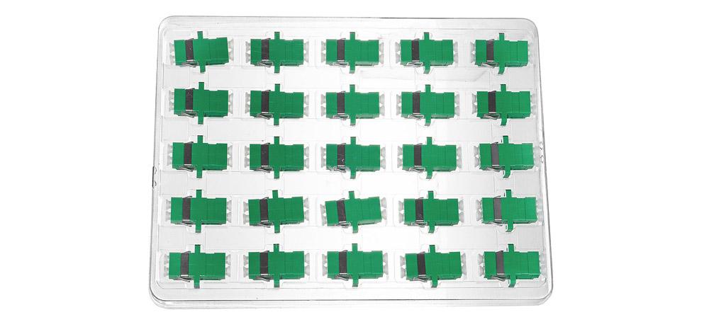 Opakowanie zbiorcze adaptera światłowodowego LC/APC SM duplex.