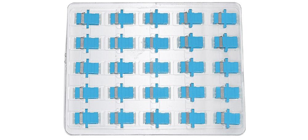 Opakowanie zbiorcze adaptera światłowodowego SC MM OM3 simplex.