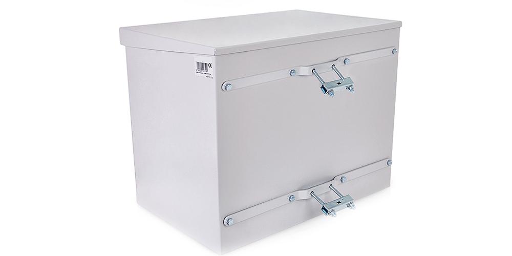 Praktyczne zastosowanie uchwytu masztowego do szafek hermetycznych.