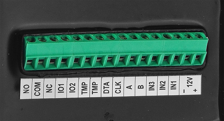 MCT64E-IO - Wbudowane linie wejścia / wyjścia.