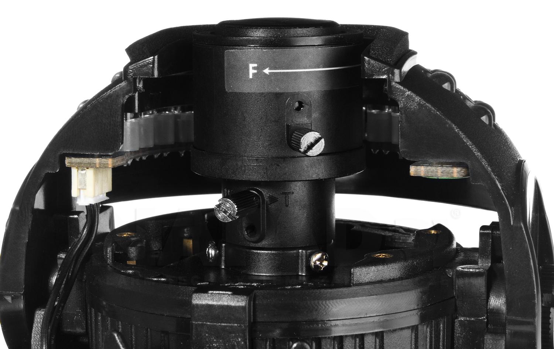 Wandaloodporna kamera kopułkowa HD-3030DV z regulowanym obiektywem.