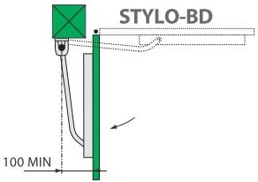Specyfikacja instalacji siłownika Came STYLO-ME z ramieniem prostym.