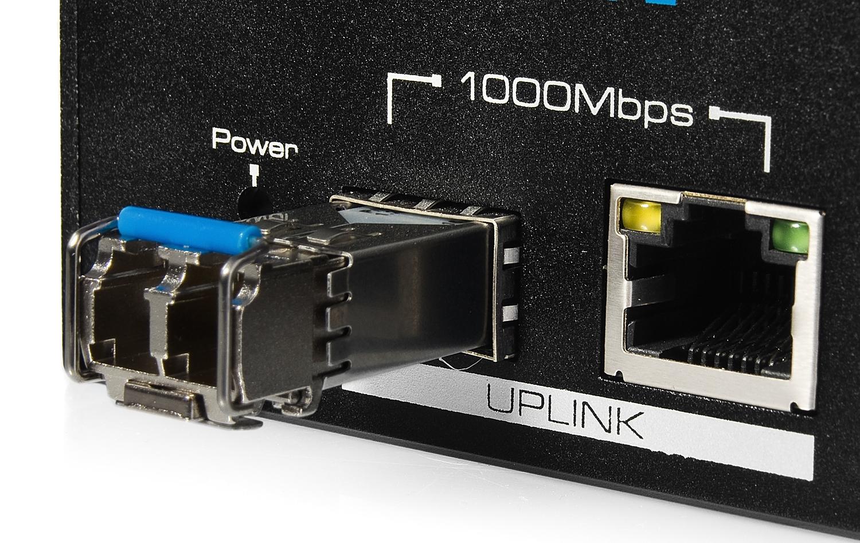 UTP7208E-A1 - Porty Uplink w switchu PoE IPOX.