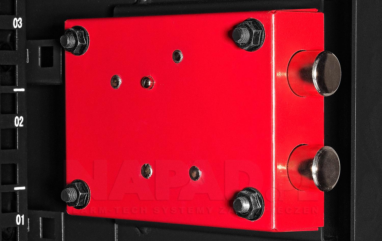 W5406DZ - Zamek zastosowany w szafie.