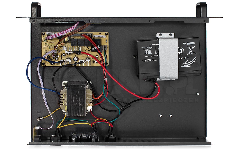 Wnętrze zasilacza awaryjnego UPS650 R RACK