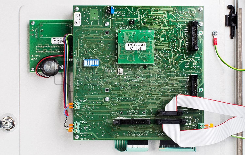 Płyta centrali POLON 4100 z miejscami na podłacznie dodatkowych modułów